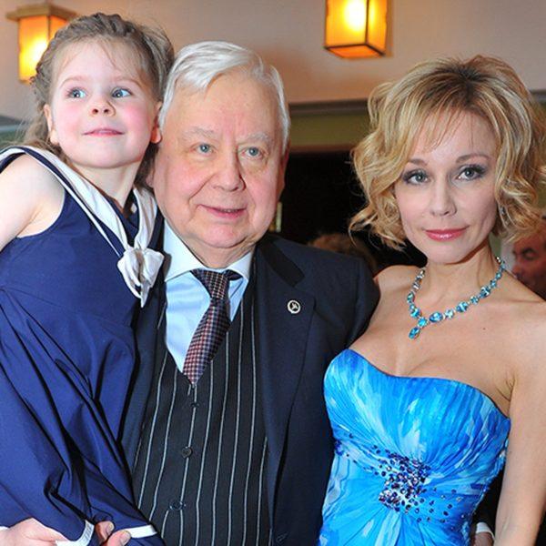 Олег Табаков с детьми