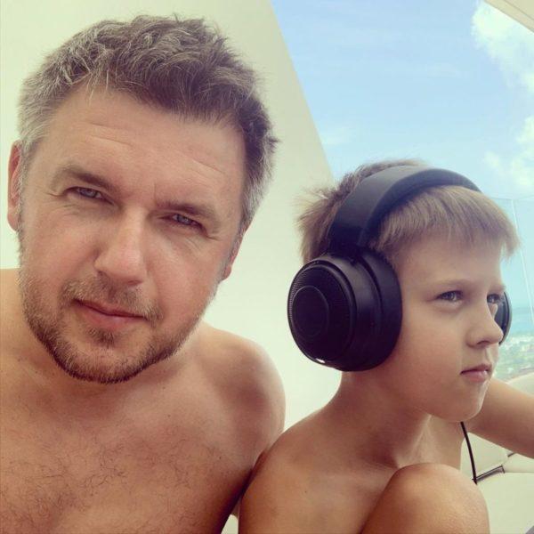 Дмитро Карпачов з сином Святогором