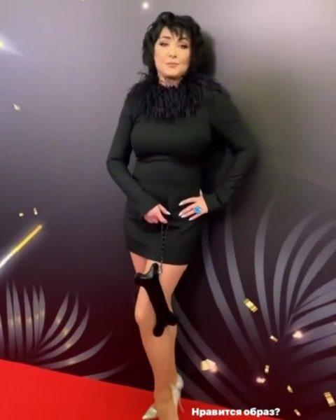 Лоліта в короткій сукні на фестивалі Спека