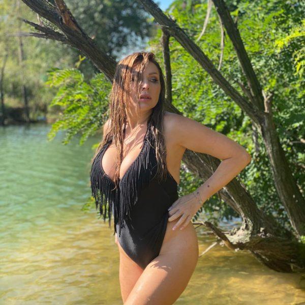 Наталья Бочкарева из Букиных похвасталась очень аппетитными формами