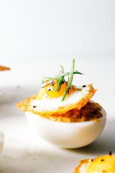 Креативные фаршированные яйца