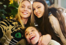 Оля Полякова с дочерьми
