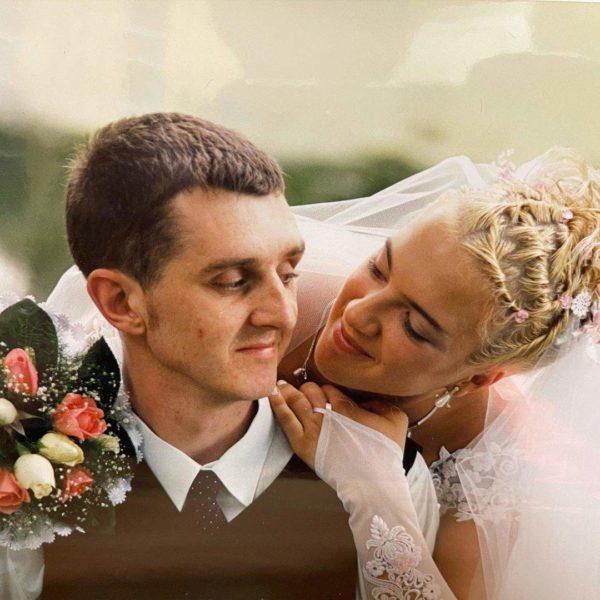 Дядя Жора показав фото з весілля: святкують двадцяту річницю