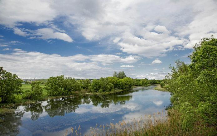 Красивый вид на реку